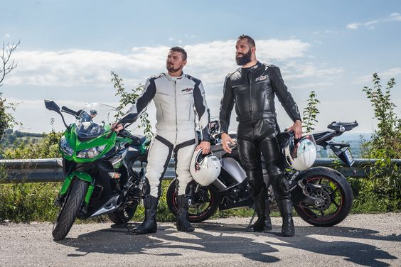 Video Combinezon Moto din Piele & Textil SPEED UP ALPHA · Negru